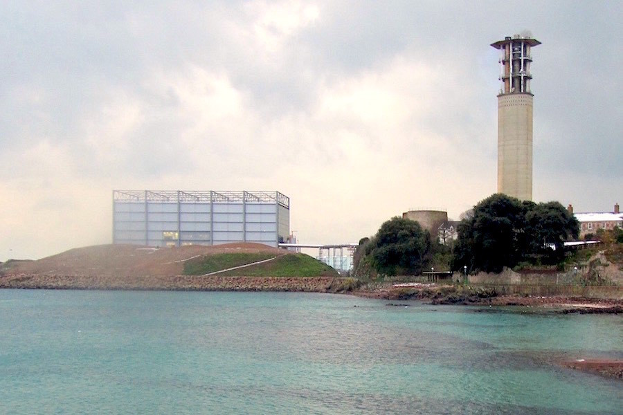 La Collette, 2010. The Incinerator is nearly completed. The 'Hill' in front covers many toxic ash pits. (photo Author)