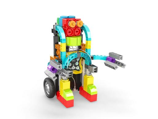 """Robot """"animali"""" alla scuola primaria"""