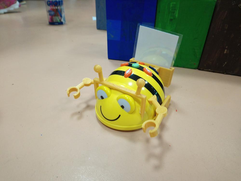 beebot robotica e disegno1