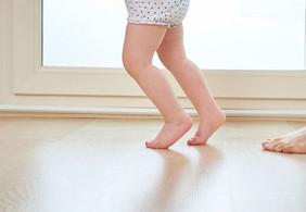 Ваш ребенок ходит на носочках? Стоит ли волноваться?