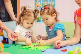 Групповые занятия для детей в лечебном центре.