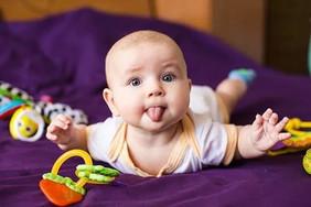 Развитие ребенка на пятом месяце жизни.