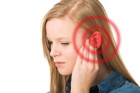 Тиннитус или звон в ушах.