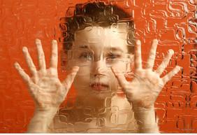 """Аутизм и миндалины мозга. Новые """"мишени"""" лечения?"""