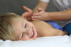 Преимущества детского массажа.