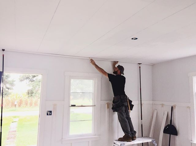 _apappaslife putting up that #shiplapcei
