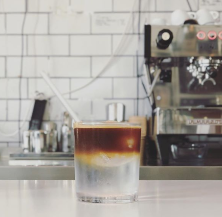 The hottest drink of the summer is actually cold: Espresso Tonic