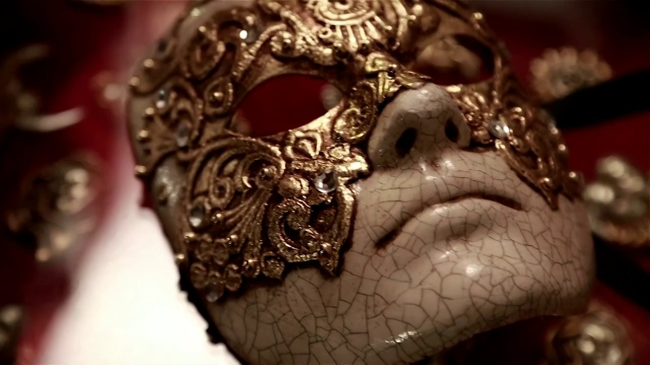 mask-eyes-wide-shut.jpg