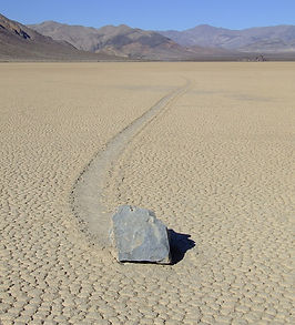 800px-Racetrack_Playa_in_Death_Valley_Na