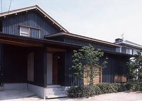 黒の家1.jpg