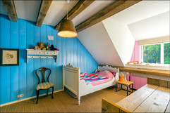 Lovely bedroom for happy kids!