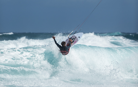 duotone kiteboarding wam sls action pic3