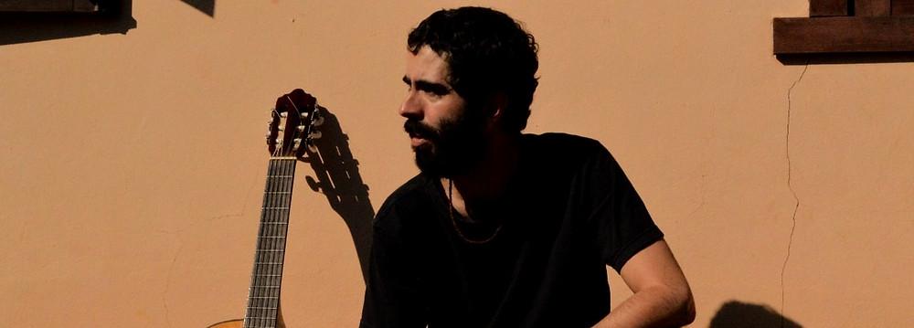 compositor e músico Luiz Nascimento, o misantrópico