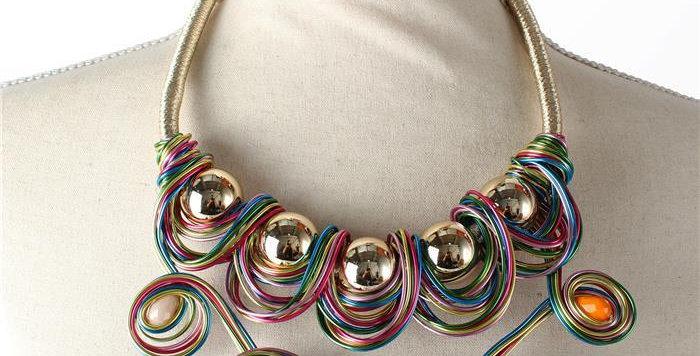muliti colored stone wired necklace