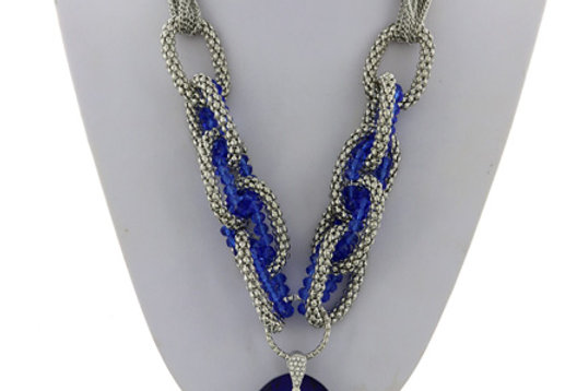 Blue diamond and silver necklace set
