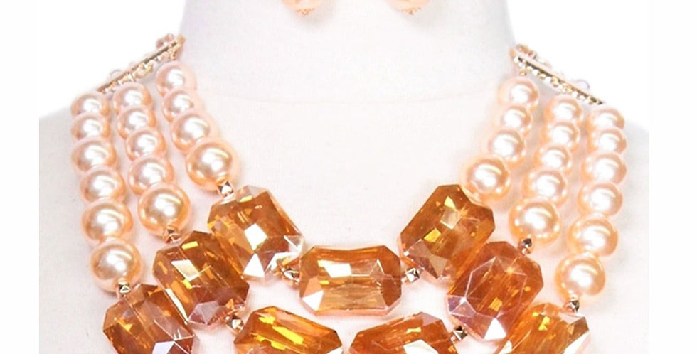 Beige pearl and diamond necklace set