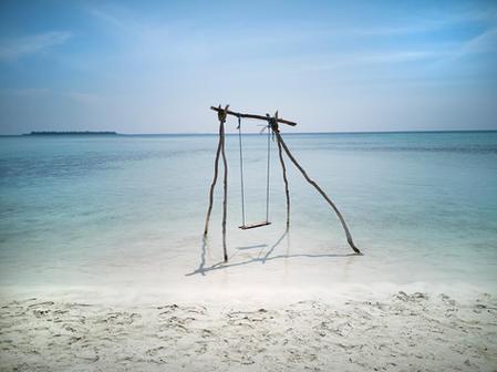 Swing in the Sea