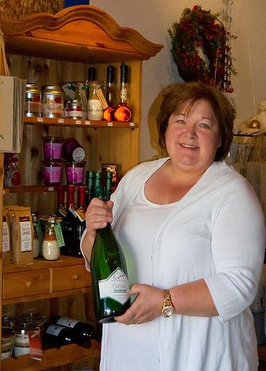 Lädchen Geschenke Präsente Magnumflasche Angelika Sieben Vinothek Tradition Weingut Siebenhof