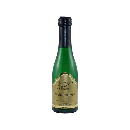 s8 Sekt halbtrocken Winzersekt Riesling Piccolo Weingut Siebenhof Zotzenheim Rheinhessen Qualitätswein Flaschengärung