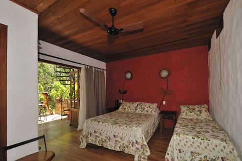 Quarto Villa Serrano.jpg