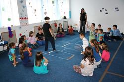 """Joc organizat în """"sala albastră"""""""
