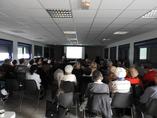 Conférence de Claudia Di Costanzo :    Les huiles essentielles