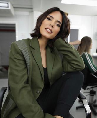 TV Hostess Olívia Ortiz