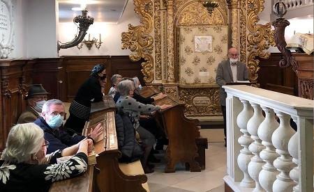 GERUSALEMME - Ieri, 8 aprile, in tutta Israele è stato celebrato il giorno della Shoa' e dell'eroismo, in ricordo dei 6 milioni di ebrei sterminati dai tedeschi. Cerimonie si sono svolte al memoriale di Yad Vashem a Gerusalemme, al kibbuz Yad Mordechai, al kibbuz Lohame' Haghettaot.
