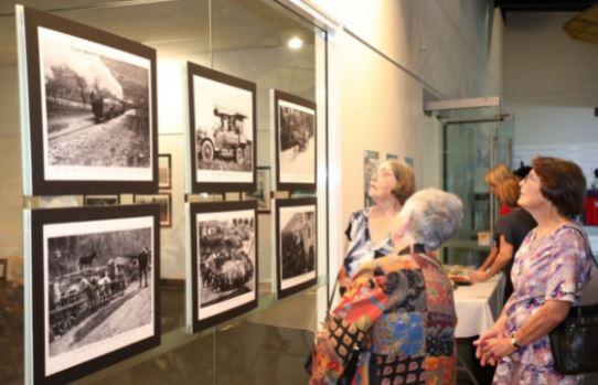 """l'Hinkler Hall of Aviation di Bundaberg, è stata inaugurata la mostra fotografica """"Instant and Places of the Italian Front"""" organizzata dall'Ambasciata d'Italia a Canberra, dal Consolato d'Italia a Brisbane e con la collaborazione del Bundaberg Regional Council."""