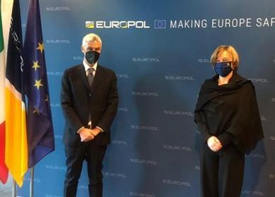 DISTRIBUZIONE DEI VACCINI E TUTELA DEI MINORI AL WORKING GROUP DI EUROPOL
