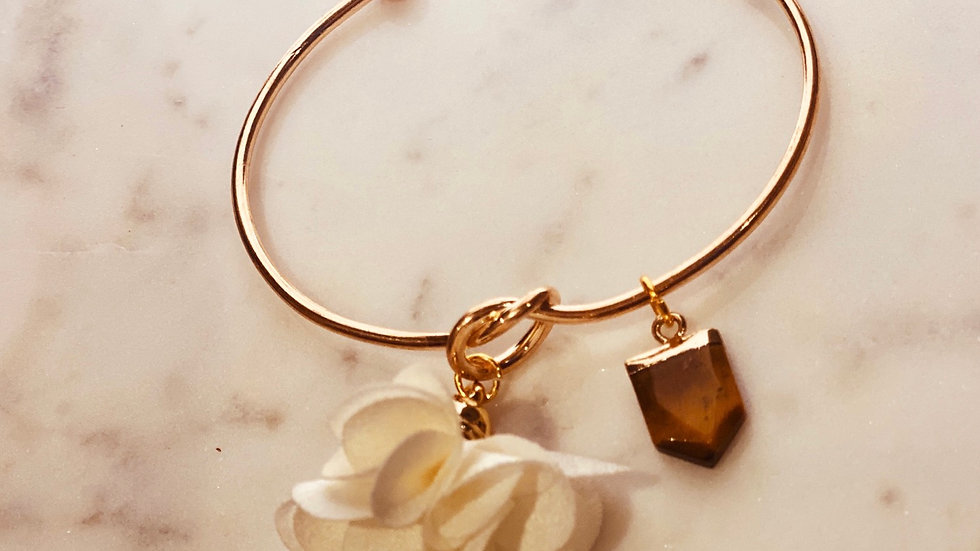 Adjustable Gold plated bracelet with Flower and Natural Tiger's eye