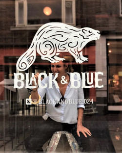 Logo schildering Black and Blue Nijmegen