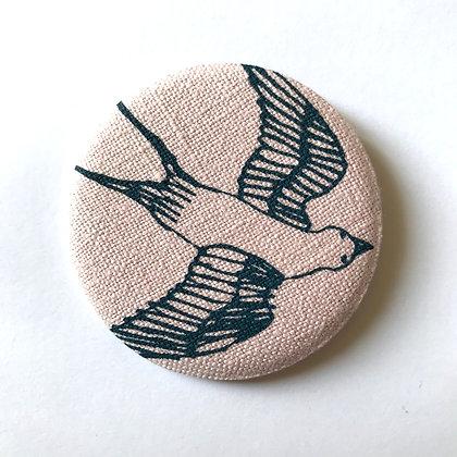 Badge tissu hirondelle