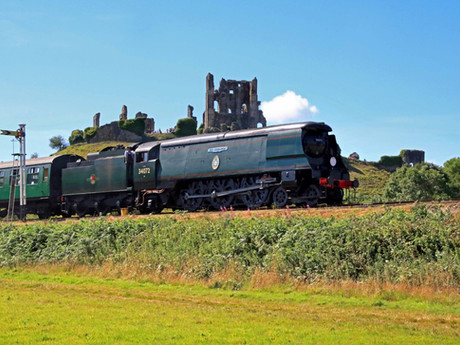 Coronavirus appeal reaches £261,809 on 25th anniversary of Corfe Castle steam train return