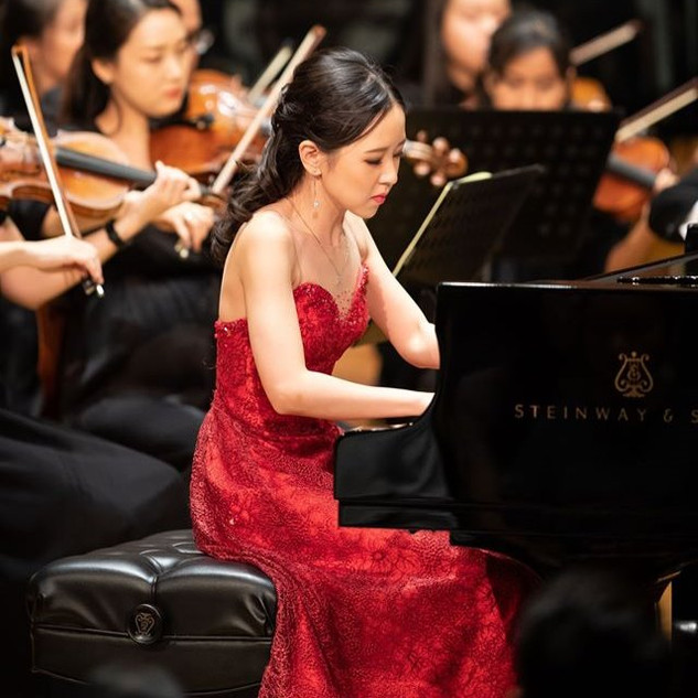 Stephanie Onggowinoto with Jakarta Simfonia Orchestra at Aula Simfonia Jakarta