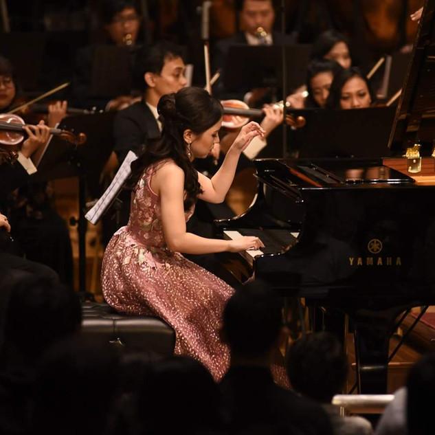 Stephanie Onggowinoto with Jakarta Concert Orchestra at Aula Simfonia Jakarta