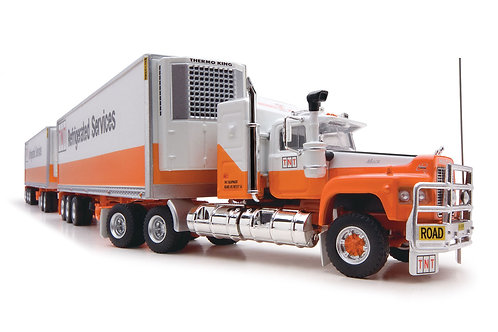 Road Train TNT Refrigerated with extra trailer Mack