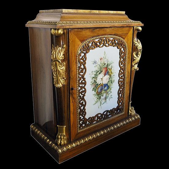 Шкафчик-жардиньерка со съемной мраморной столешницей