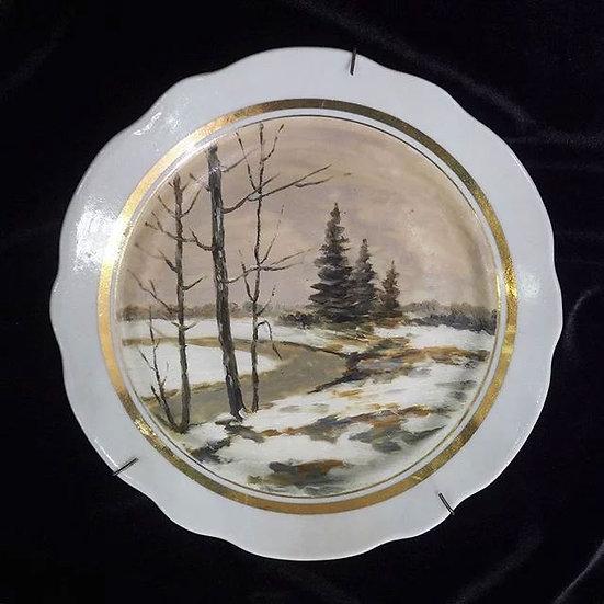 Тарелка настенная «Пейзаж с елями»