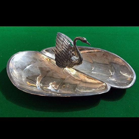 Лоток - Раскрытая раковина с лебедем