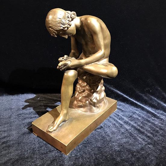 Скульптура «мальчик, вынимающий занозу»