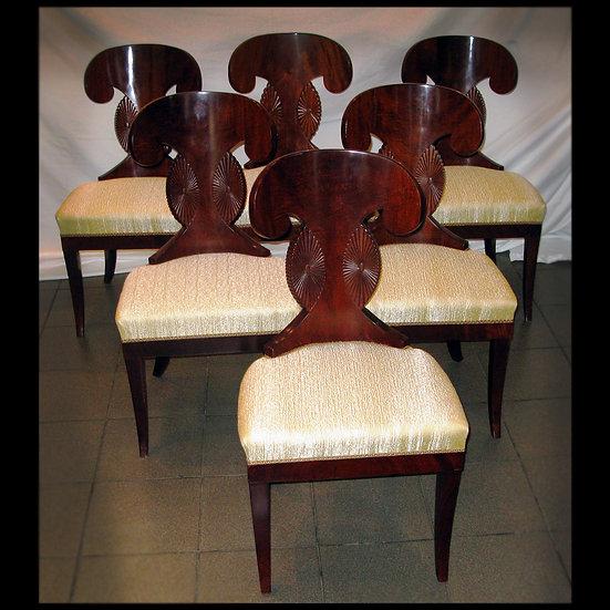 Шесть стульев «ушастых»