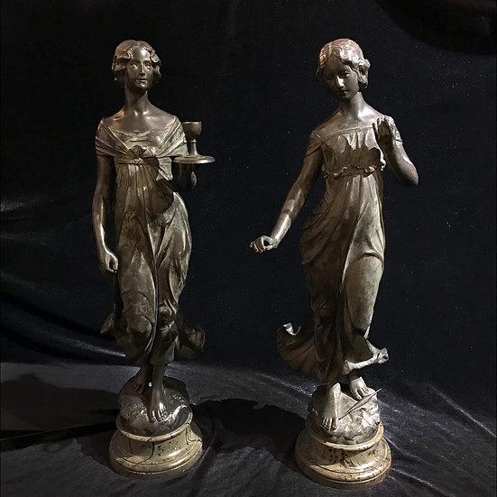 Парные скульптуры «Девушка с бокалом»