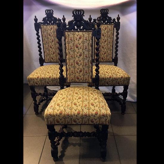 Три стула с витыми колонками