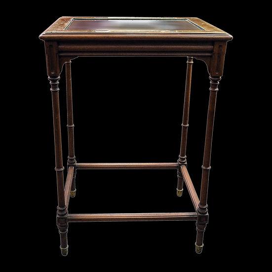 Столик сервировочный со стеклянной столешницей