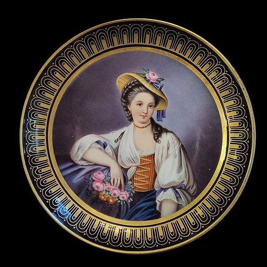 Тарелка декоративная «Девушка с букетом»