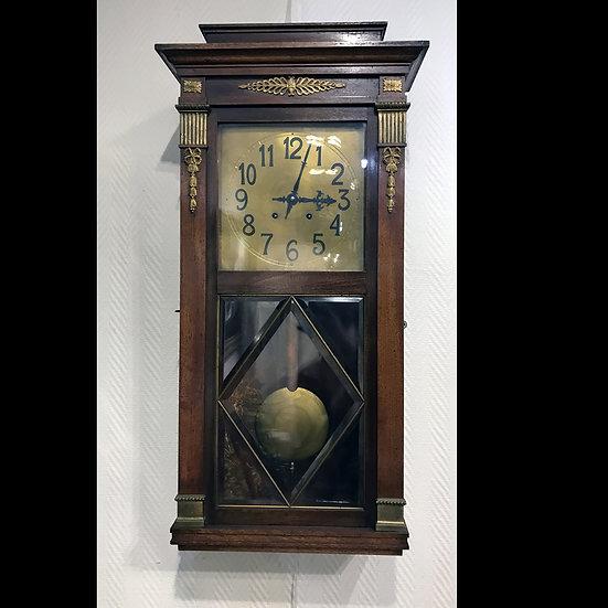 Часы настенные с половинным и цельным боем
