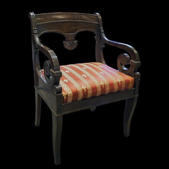 Кресло с пальметтой