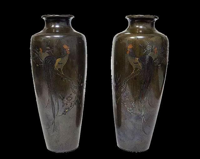 Парные вазы с изображением петуха