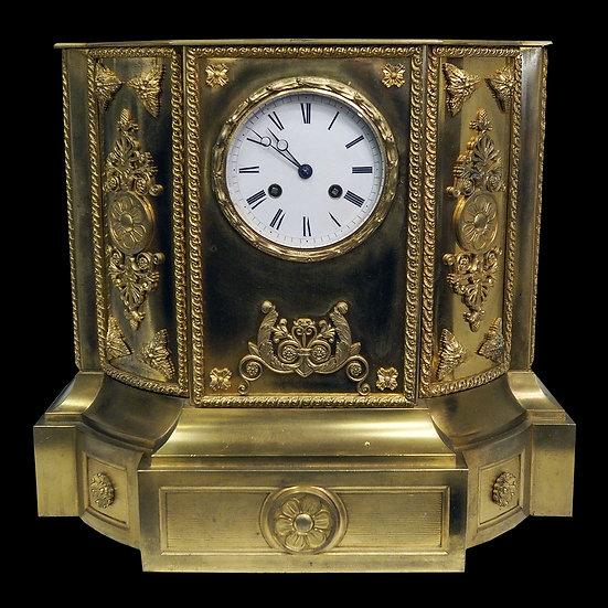 Часы-постамент